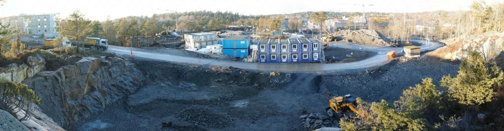 """Vy över det """"Nya Hovås """"från det till hälften bortsprängda Uggleberget. Klicka för högupplöst bild. Foto: Chris Ceder"""